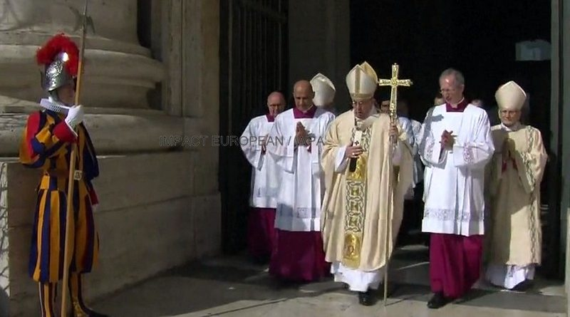 The VATICAN: The traditional mass of Easter under high security