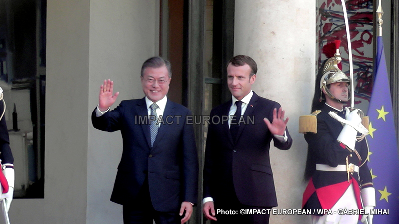 Emmanuel Macron welcomes South Korean President Moon Jae-in at the Elysee Palace