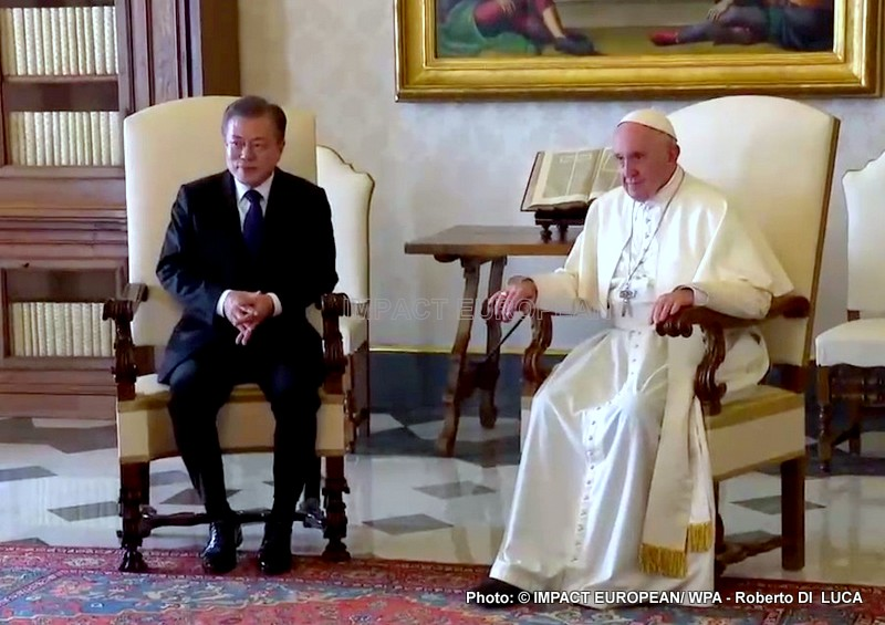 Moon Jae-in received at the Vatican on Thursday by the Pope