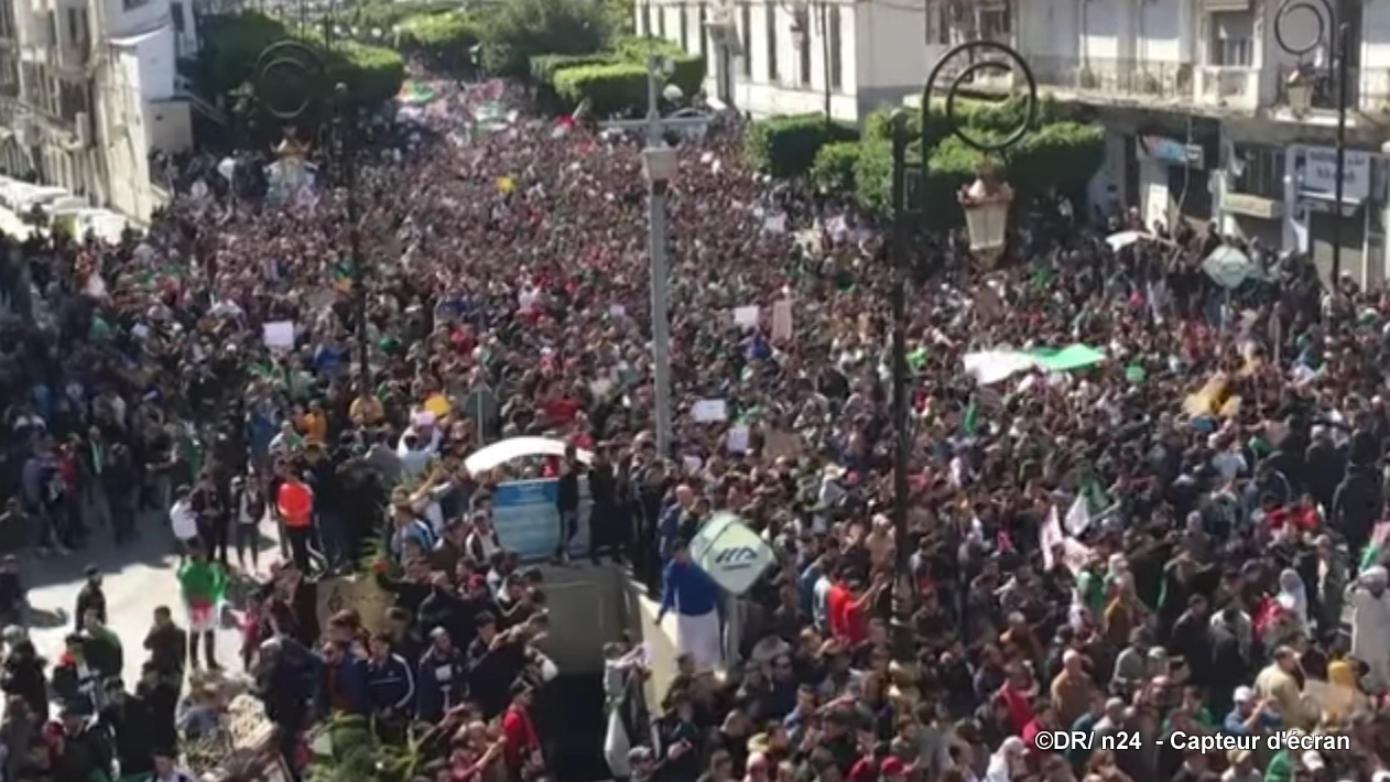 Thousands of Algerians express against one 5th mandate of Bouteflika
