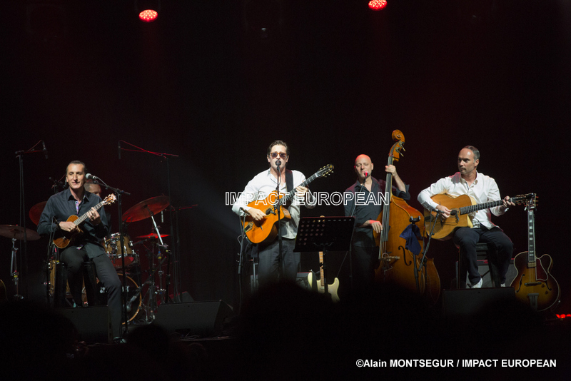 """Thomas Dutronc was surrounded by his """"gypsy minds"""" on the stage of the Jazz Festival in Marciac"""